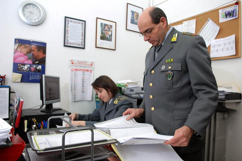 Appalti scuole, dieci arresti tra funzionari e imprenditori della capitale